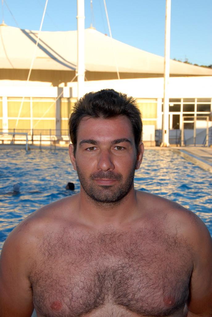 Νίκος Ντούλος